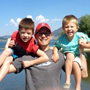 dad & kids on vacation