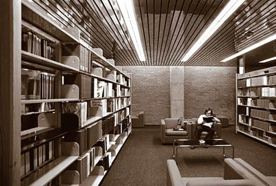 Photo of Medical Library in 1976