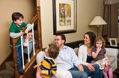 Photo of Jake Deister and his wife, Brooke, and their children Jacob, Westin, Will and Julia.
